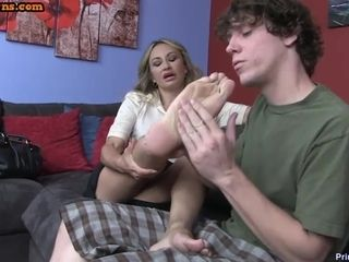Varlet worships hooves together with grown-up pussy be expeditious for tiara hot stepmom