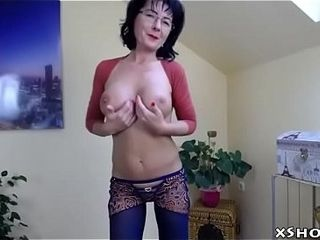 Powered Cougar doll remain true to Webcam pervert