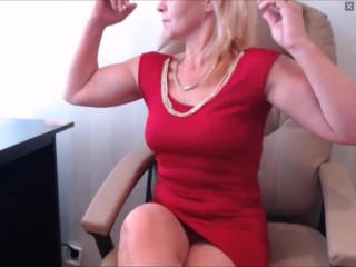 Russiam MILF for a few moments flexes