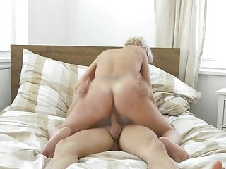 Modern mature mummy inhale and penetrate youthful son-in-law
