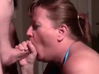 Moglie obese spompina e beve sborra