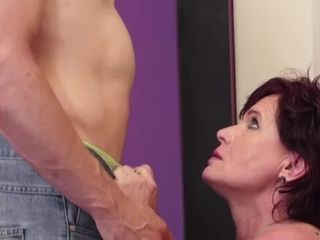 Thirsty mature mother takes youthful prick