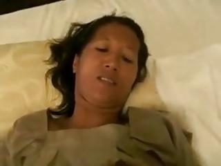 Thai gf & Thai mummy (2-clips)