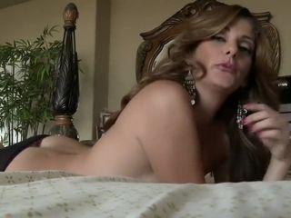 Cougar demonstrating Off Her Toned assets