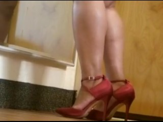 Therediangyal ENT walkthereg there burgundy conceited heels