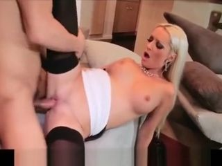 Cuckold bigtit ash-blonde wifey tramp has coochie ravaged firm by instructor