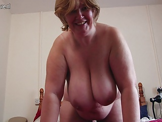 Amateur mother with big boobs