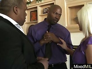 Mixt Sex Action Between Huge Black Cock Stud And Milf (kaylee brookshire) mov-13