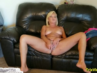 Mommy's JOI Skype entreaty forth will not hear of little one Ricky